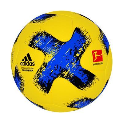 توپ فوتبال مدل torfabrik